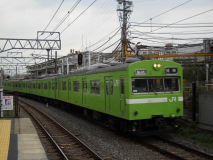 奈良線のスカイブルー103系を撮りたくて・・・
