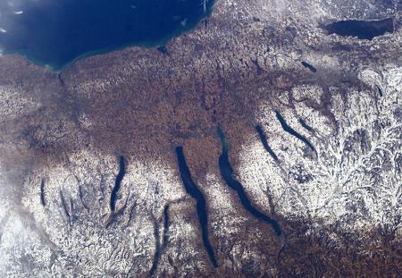 s-800px-New_Yorks_Finger_Lakes.jpg