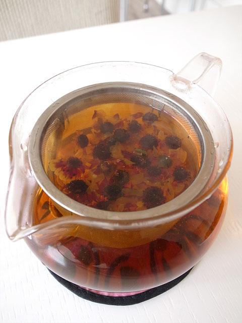 131130香膳-雪菊茶ポット