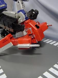 トランスフォーマー マスターピース MP-10B ブラックコンボイで比較、遊ぼう022