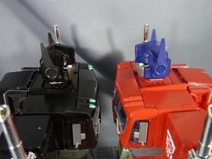 トランスフォーマー マスターピース MP-10B ブラックコンボイで比較、遊ぼう042