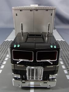 トランスフォーマー マスターピース MP-10B ブラックコンボイで比較、遊ぼう047