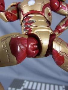 MARVEL LEGEND IRONMAN MARK.42011