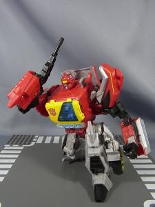TFジェネレーションズ TG-17 ブラスタースチールジョー012