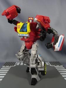 TFジェネレーションズ TG-17 ブラスタースチールジョー016