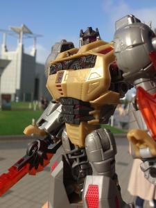 2013 東京おもちゃショー 一般日:MPタイガートラック入場列003