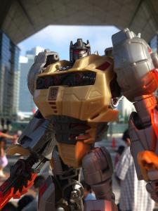 2013 東京おもちゃショー 一般日:MPタイガートラック入場列004