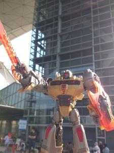 2013 東京おもちゃショー 一般日:MPタイガートラック入場列006