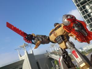2013 東京おもちゃショー 一般日:MPタイガートラック入場列008