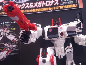 2013 東京おもちゃショー 一般日:タカラトミー:トランスフォーマーブース017