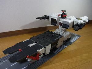 TF Generations Titan Class Metroplex シールレス スクランブルシティ 移動要塞001