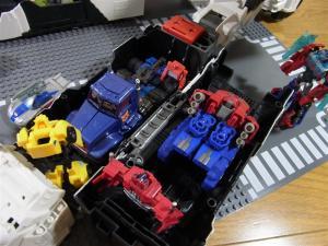 TF Generations Titan Class Metroplex シールレス スクランブルシティ 移動要塞018
