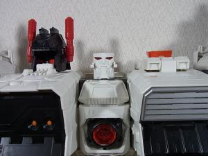 TF Generations Titan Class Metroplex シールレス ロボットモード010