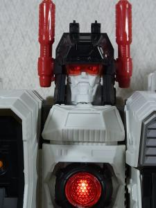 TF Generations Titan Class Metroplex シールレス ロボットモード015