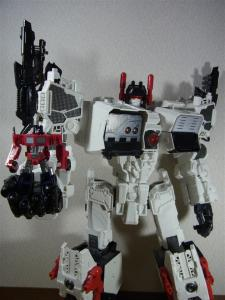 TF Generations Titan Class Metroplex シールレス ロボットモード021
