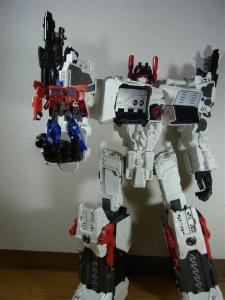 TF Generations Titan Class Metroplex シールレス ロボットモード022