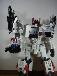 TF Generations Titan Class Metroplex シールレス ロボットモード024
