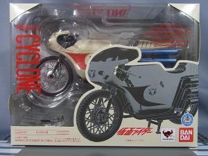 S.H.フィギュアーツ サイクロン号001