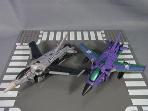 Transformers Collectors Club Exclusive Slipstream009