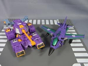 Transformers Collectors Club Exclusive Slipstream011