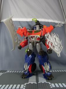 TF PRIME BEAST HUNTERS Ultimate Class BEAST HUNTER OPTIMUS PRIME010