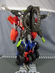 TF PRIME BEAST HUNTERS Ultimate Class BEAST HUNTER OPTIMUS PRIME023