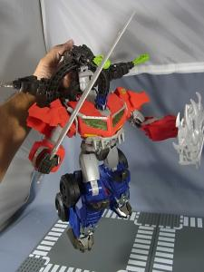 TF PRIME BEAST HUNTERS Ultimate Class BEAST HUNTER OPTIMUS PRIME033
