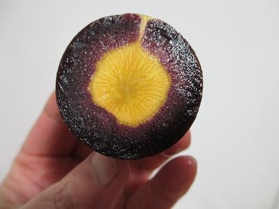 紫人参さんの断面