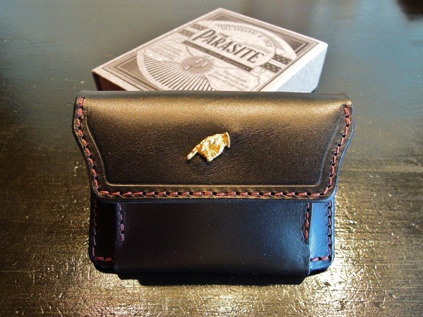 PARASITE LEATHER COIN PURSE (1)