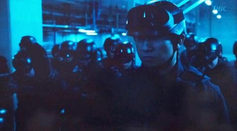 20140109用・銃を下ろす隊員たち