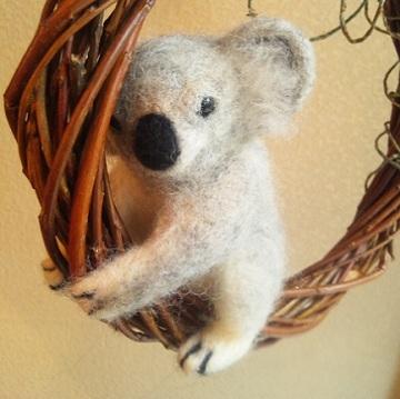 ヒツジのあしあと-羊毛コアラ
