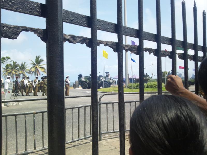 スリランカ V-Dayパレード 水陸両用車(?)