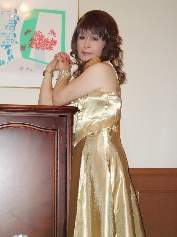 080328金色のドレス(1)
