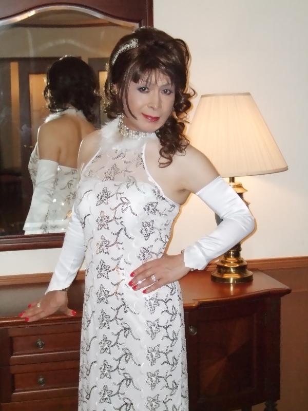 080328白に柄のドレス