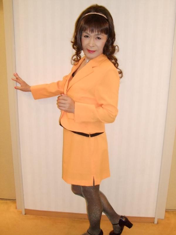 080606オレンジスーツ(1)