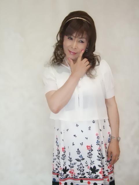086020裾花柄ワンピ(2)