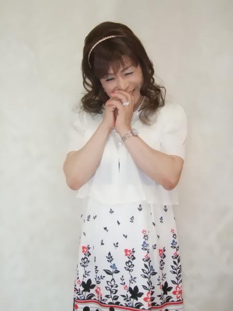086020裾花柄ワンピ(3)