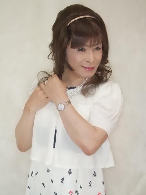 086020裾花柄ワンピ(4)