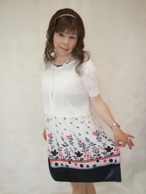086020裾花柄ワンピ(5)