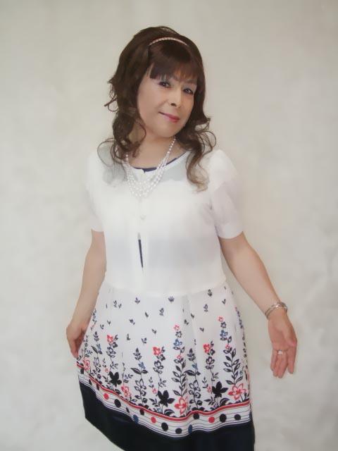 086020裾花柄ワンピ(6)
