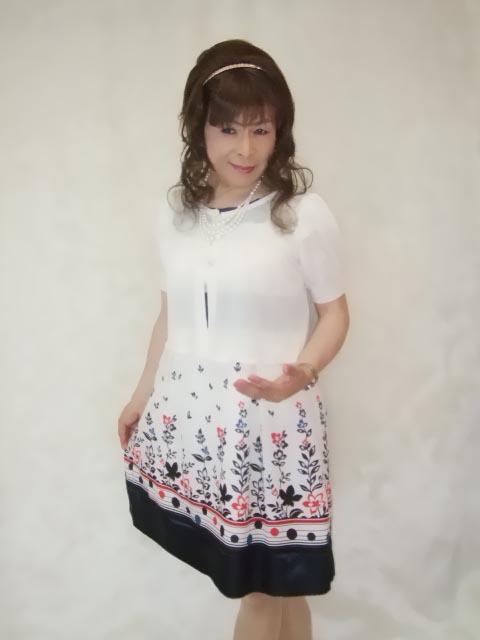 086020裾花柄ワンピ(7)