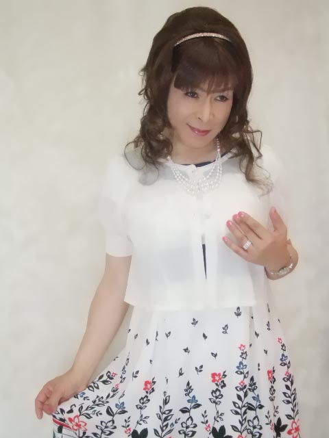 086020裾花柄ワンピ(8)