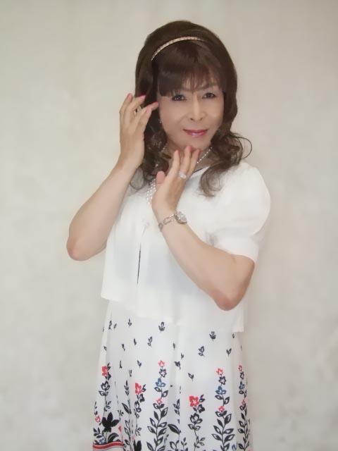 086020裾花柄ワンピ(9)