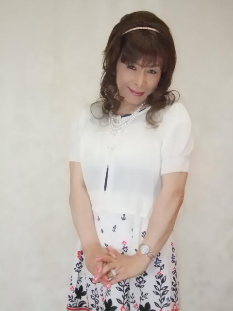 086020裾花柄ワンピ(10)