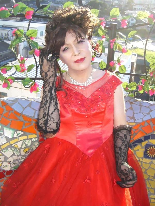 070814サファイヤ赤ドレス(2)
