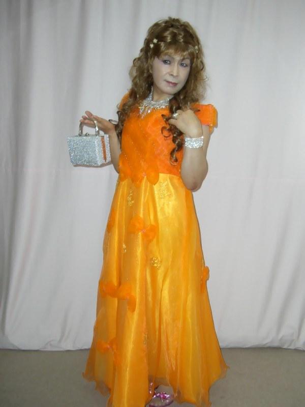 070824オレンジドレス(1)