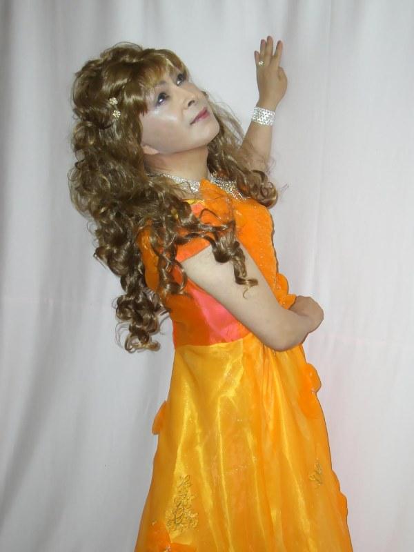 070824オレンジドレス(2)