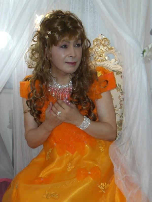 070824オレンジドレス(4)