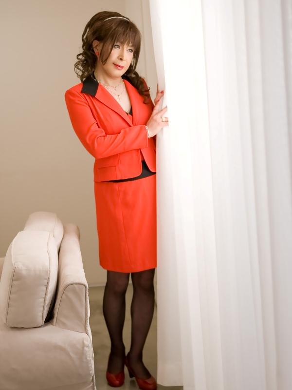 080504赤スーツ(2)