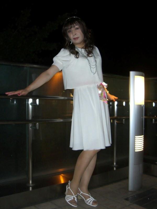 080824白ワンピ横浜(2)